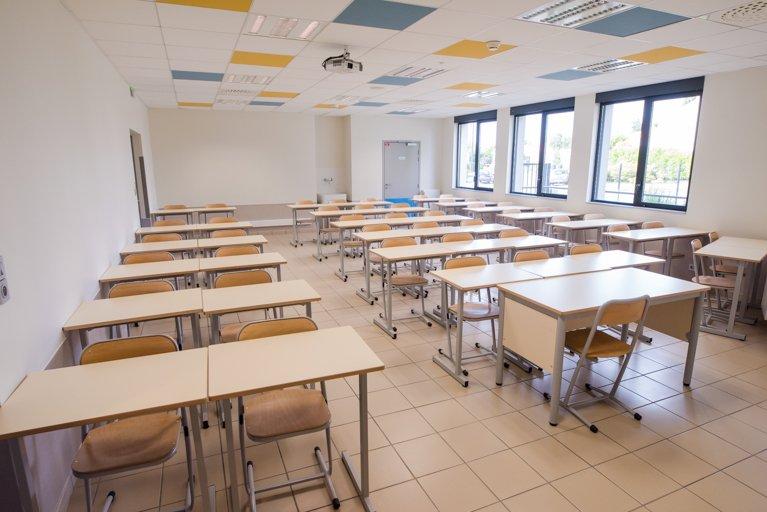 salle d'étude à l'internat